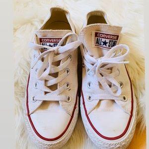 Good condition white converse size 6
